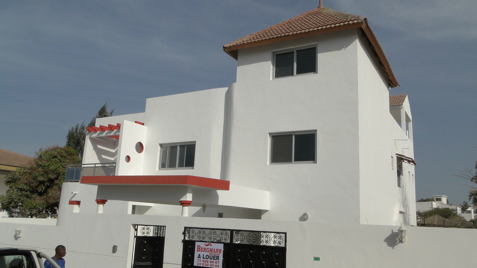 Villa a vendre almadies titre foncier for Acheter maison senegal